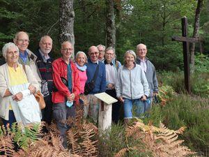 Ils découvrent une stèle à la mémoire de leur père 60 ans après