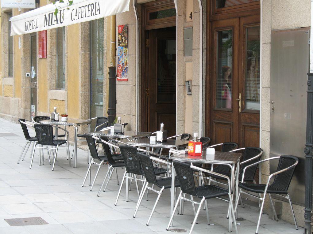 Depuis 2006, lorsque je me rends à La Coruña je prends régulièrement une chambre simple dans cet hôtel 2 étoiles, l'Hostal Miau, chez Pepe et Conchi.