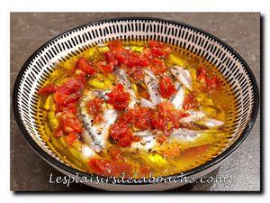 Bruschettas d'anchois marinés à la tomate séchée