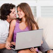 Facebook sperimenta il diario di coppia