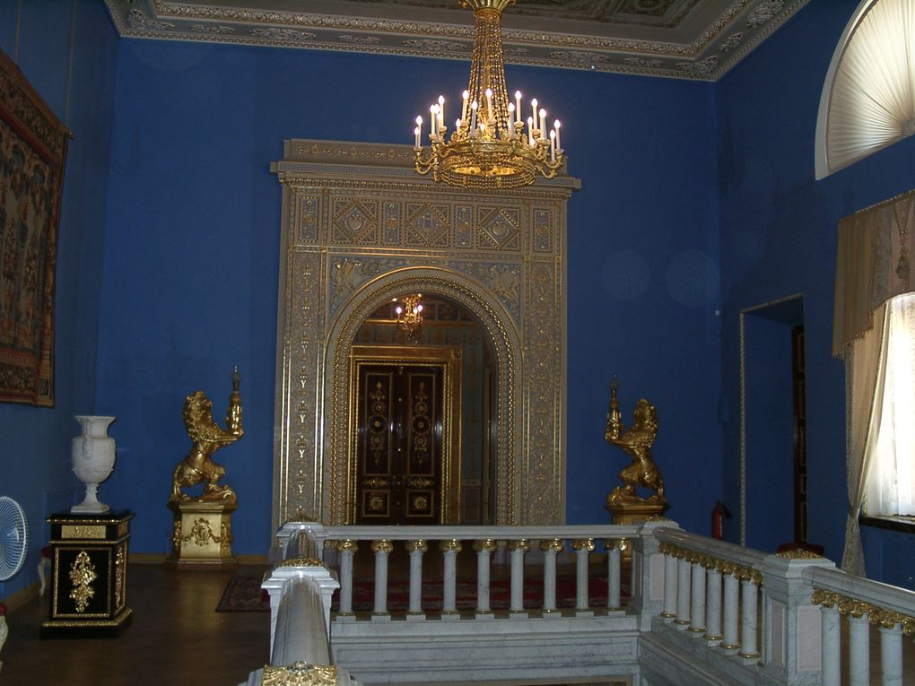Palais de l'Hermitage, Vues de St Petersbourg l'hiver et l'été, Peterhof, Kiji, Ouglish.