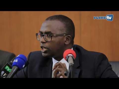 Paul Kagame, umukuru w'agatsiko k'ibisuma bicuza abanyarwanda utwabo ku gahato.