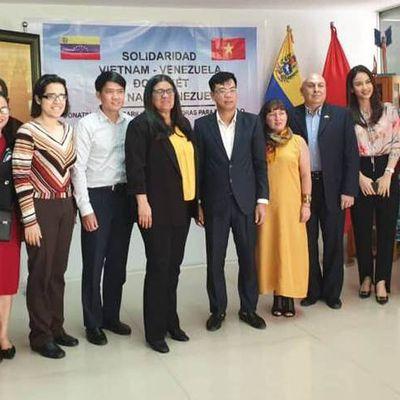 Le Vietnam fait don de plus de 100 000 masques au peuple vénézuélien