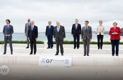 """Sommet du #G7 : ➡ """"SILENCE ! ON TOURNE !"""" Open your eyes and wake up !"""