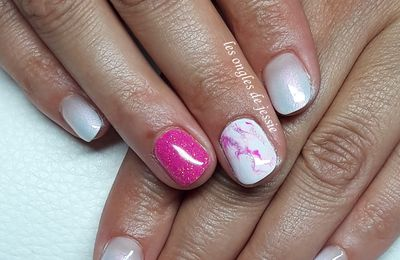 babyboomer french blanche effet marbre rose
