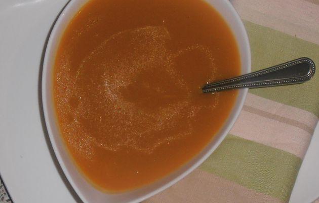 soupe toute simple de carottes,pommes de terre et blanc de poireau