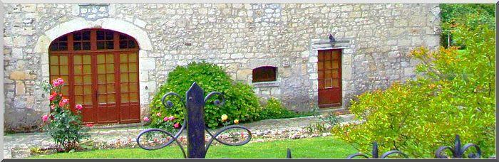Diaporama maison forte et église fortifiée de Saint Privat des Prés