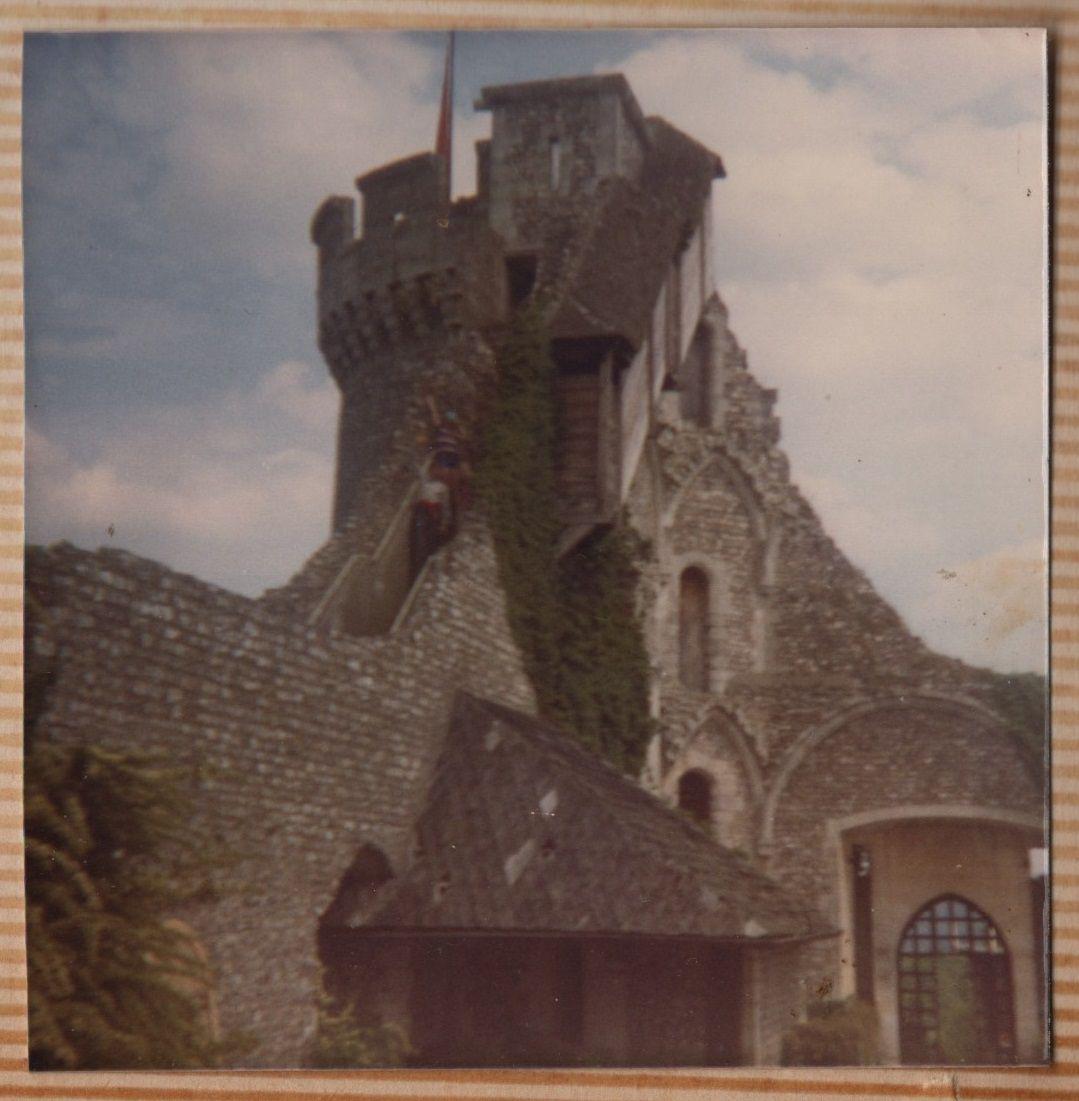 Notre voisin le château Robert le Diable