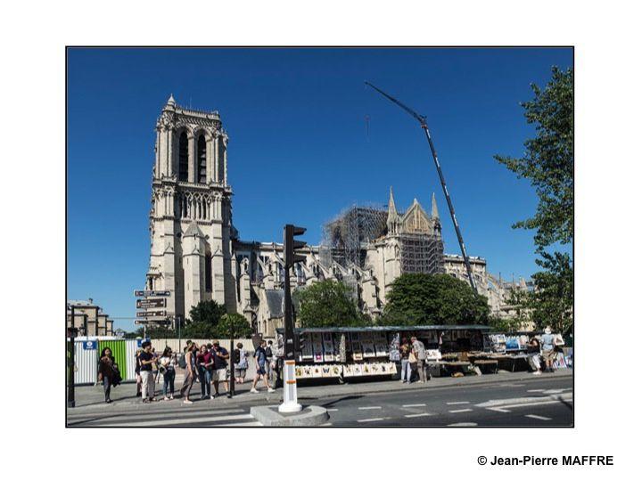 Une occasion de montrer les images que j'ai faites bien avant l'effondrement de la flèche de Viollet le Duc suivies de celles prises juste après l'incendie du 15 avril 2019..