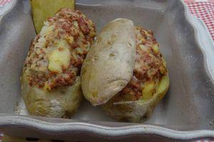 Pommes de terre farcies aux merguez et veau