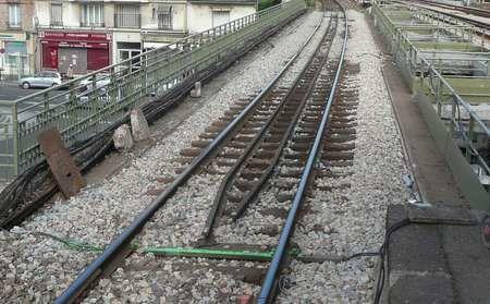 Pendant l'été 2009, le viaduc de la gare du Raincy Villemomble Montfermeil est en travaux.