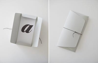 Cartes et enveloppes d'invitation DIY