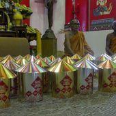 Vu au temple (20-11) - Noy et Gilbert en Thaïlande