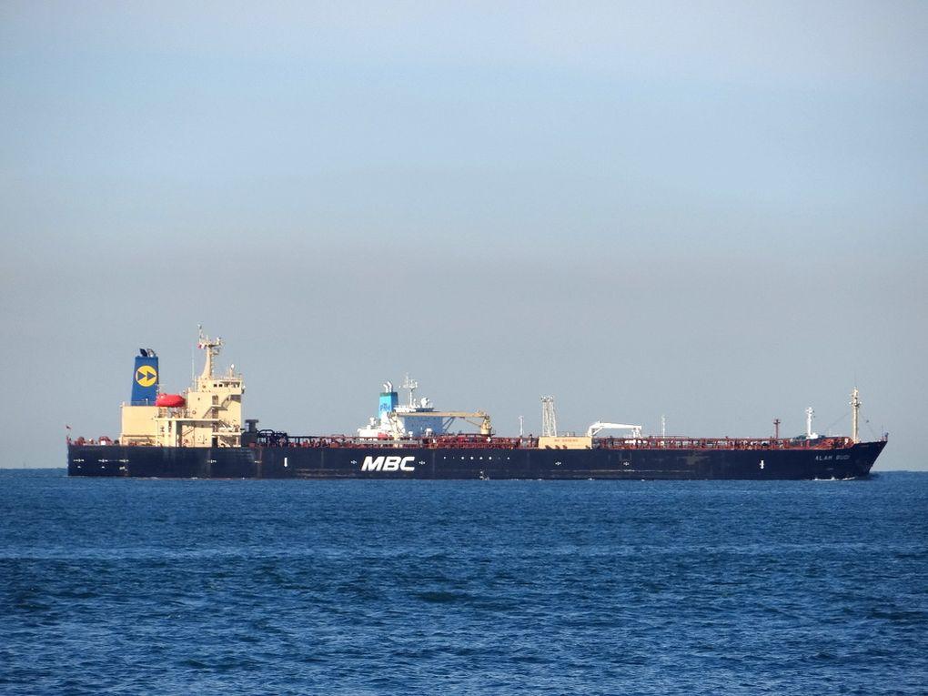 ALAM BUDI , arrivant au port de Fos sur Mer le 14 avril 2016
