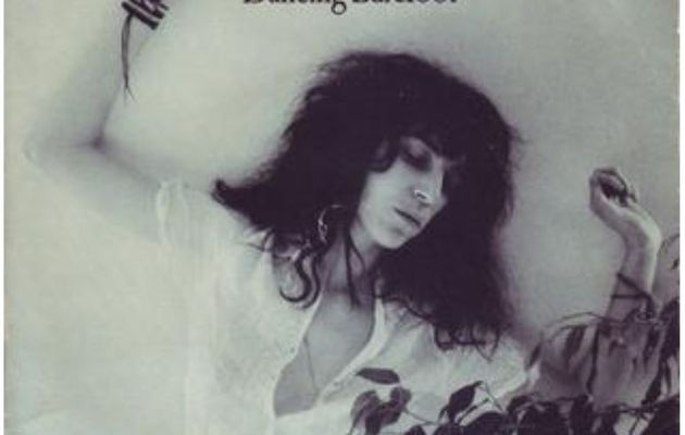 Patti Smith - Dancing Barefoot