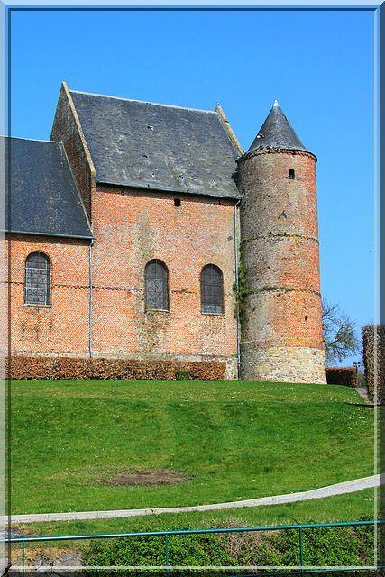 Diaporama église fortifiée d'Esquéhéries