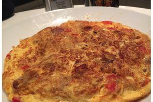 Omelette oignons, poivrons et chorizo