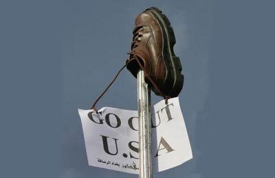 Georges Bush, chaussures volantes et vengeance symbolique