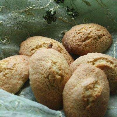 Madeleines pistachées