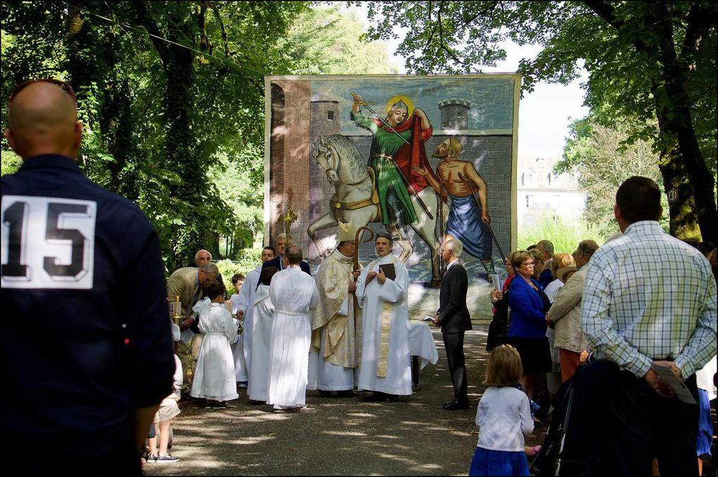 Procession et célébration de réinstallation des reliques de Saint-Martin en l'église de Marcolès (photos : Pauline LEBEL)