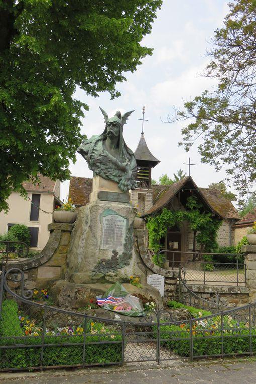 BARBIZON, village de peintres, sentier des chaos d'Apremont