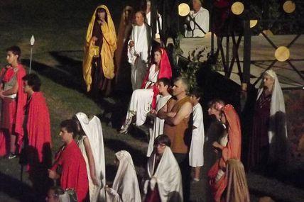 A AUTUN au théâtre romain cet été, le spectacle en son et lumière : Jules César !