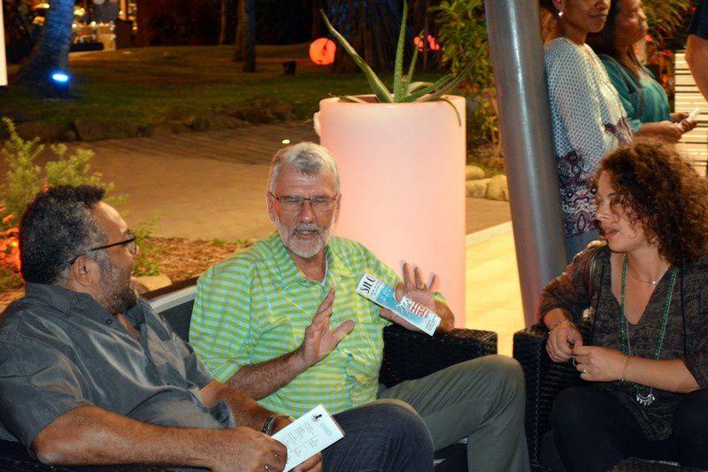Photos de la soirée avec quelques uns des invités locaux. JP
