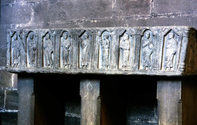 SARCOPHAGES A PERSONNAGES