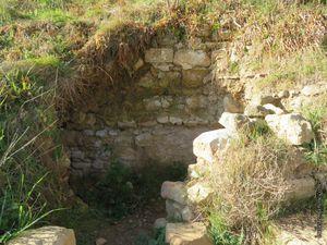 Les vestiges des anciennes caves du vieux village