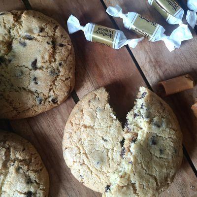 Cookies au caramel tendre et pépites de chocolat
