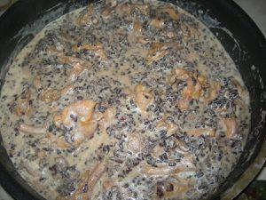 Risotto crémeux  de riz noir Venere aux girolles.