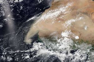 Parti du Sahara il y a plus d'une semaine, un immense nuage de sable a traversé l'Atlantique. Il a atteint l'Amérique centrale et les États-Unis il y a quelques jours après les Caraïbes. Un phénomène exceptionnel de part son envergure inhabituelle !