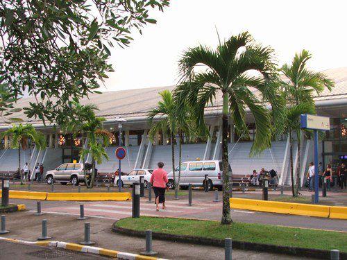 IDMartinique : et si on habillait les murs de notre aéroport ?