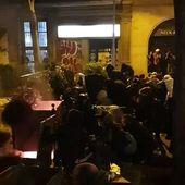 Barricades, affrontements et cocktails Molotov : nouvelle nuit de fortes tensions à Barcelone - MOINS de BIENS PLUS de LIENS