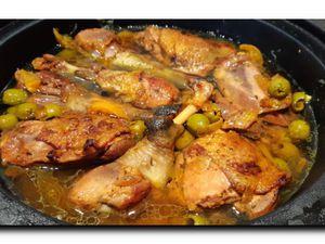 Tajine poulet citron confit et olives.