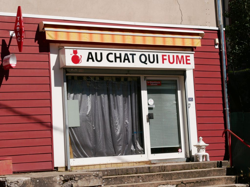 TABAC OU HERBE  A CHAT !