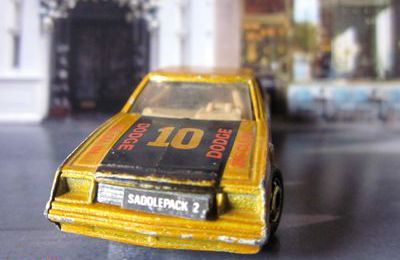 DODGE MIRADA STOCKER HOT WHEELS 1/64.