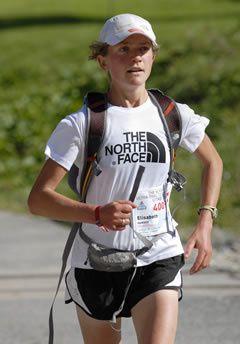 24 ore su strada. Nuovo record mondiale femminile della 24 ore su strada realizzato da Lizzy Hawker con 247,076 km