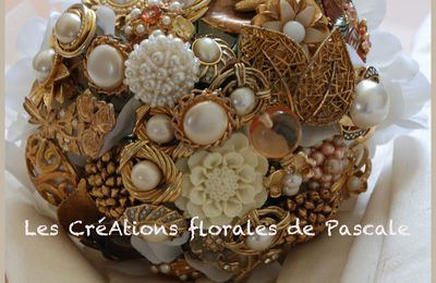 Bouquet de marié broches