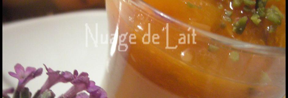 Panna Cotta à la Lavande et sa Compotée d'Abricots