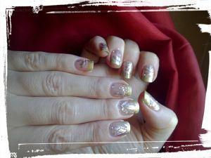Nail Art foil holographique avec Née Jolie....