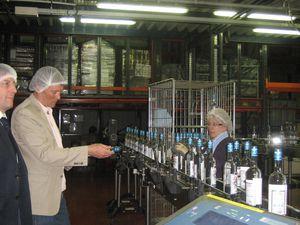 Premières bouteilles de Fée Blanche en mai 2012.
