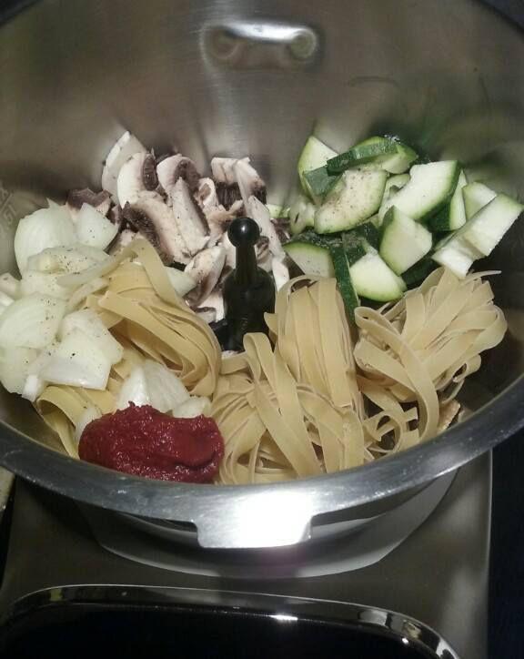 One pot pasta aux courgettes et champignons (recette avec ou sans Companion de Moulinex)