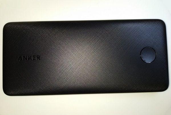 détails de la batterie externe 10.000 mAh USB type C Power Delivery 18 Watts - Anker PowerCore Slim @ Tests et Bons Plans