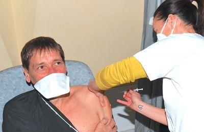 LA TOUR D'AIGUES   :   Le Centre de Vaccination à nouveau opérationnel,