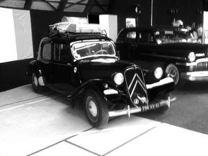 Les voitures d'époque nous ont accompagné.