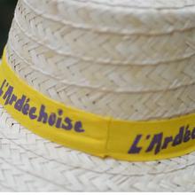 Dossier : Coronavirus Coronavirus : suspension des inscriptions pour l'Ardéchoise, la plus grande course cyclosportive d'Europe - Le coronavirus fait une victime de plus, l'une des plus célèbres d'Ardèche. La cyclosportive l'Ardéchoise suspend ses inscriptions, à compter de ce lundi. L'épreuve est pour l'instant maintenue, de même que le tour cycliste international féminin de l'Ardèche. - (France