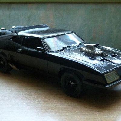 INTERCEPTOR MAD MAX  Ford falcon sedan ( 1973 )