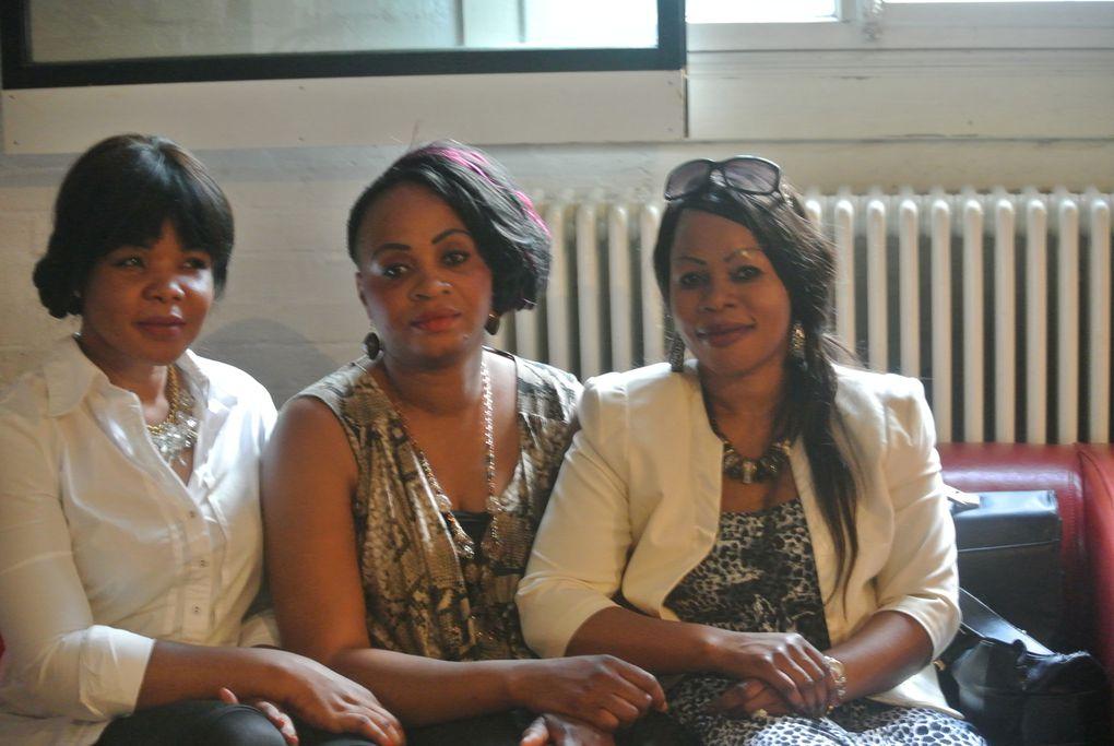 A delegaçâo da Embaixada de Angola na Suiça no cantâo de St. Gallen.