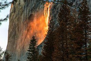 Journal du couvre-feu-J 73 'On peut actuellement observer une cascade de feu au parc Yosemite aux Etats-Unis…'